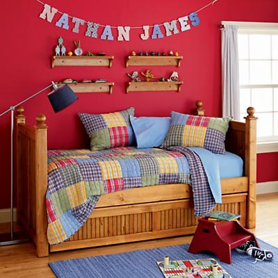 0402113_CottageDaybed_HO_ALT_07S1