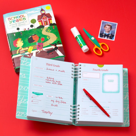 Kids Arts & Crafts: Kids Keepsake School Memory Book - ABCs to SATs Memory Book