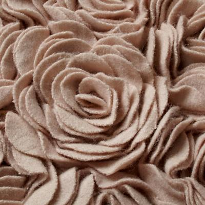 519944_Rug_Rosy_Chic_Detail_03
