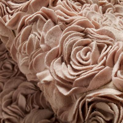 519944_Rug_Rosy_Chic_Detail_06