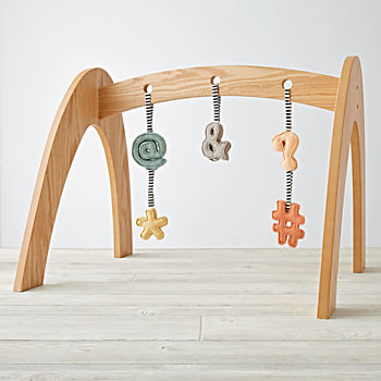 Natural Activity Gym With 5 Punctuation Rattles