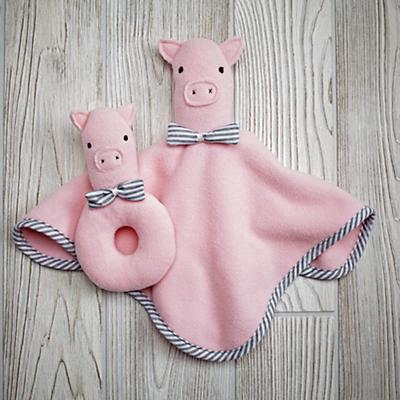 Baby_Rattle_Blanket_Set_Pig