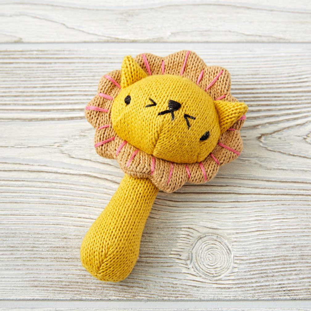 Love Handle Rattle (Lion)