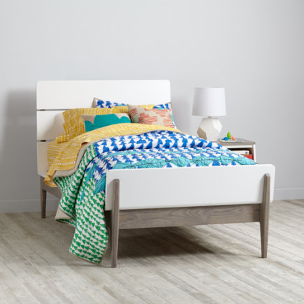 Two-Tone Wrightwood Bed - Twin Two-Tone Wrightwood Bed