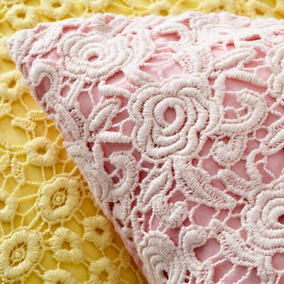 Bedding_Antique_Chic-WH_Group_Details_V16