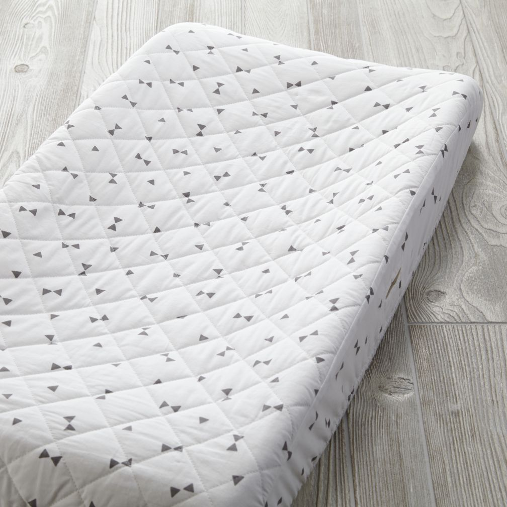 Go Lightly Changing Pad Cover (Grey Triangle)