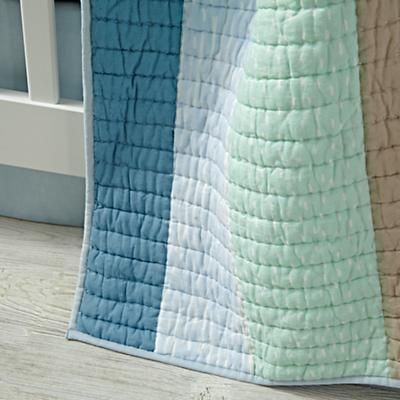 Bedding_CR_Pattern_Play_Quilt_Details_V14