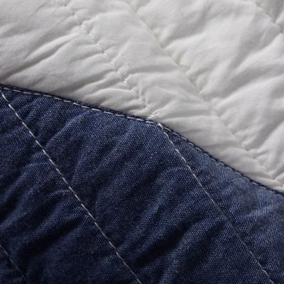 Bedding_CR_Polygon_Quilt_Group_Detail_v1