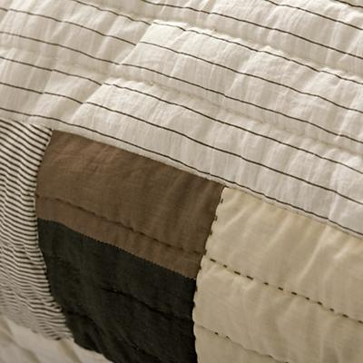 Bedding_Cozy_Contemporary_Details_V6