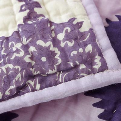 Bedding_Crib_Bazaar_Detail_10_1111