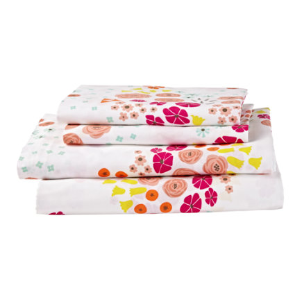 Twin Flower Show Sheet SetIncludes fitted sheet, flat sheet and one pillowcase