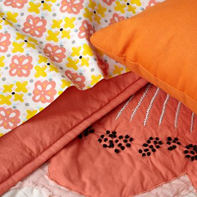 Bedding_Fly_Away_Details_20