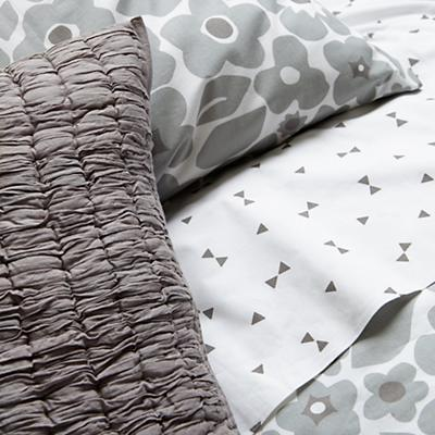 Bedding_Go_Lightly_GY_Details_V11