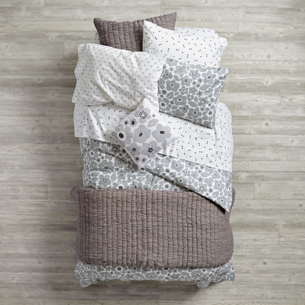 Go Lightly Bedding (Grey)