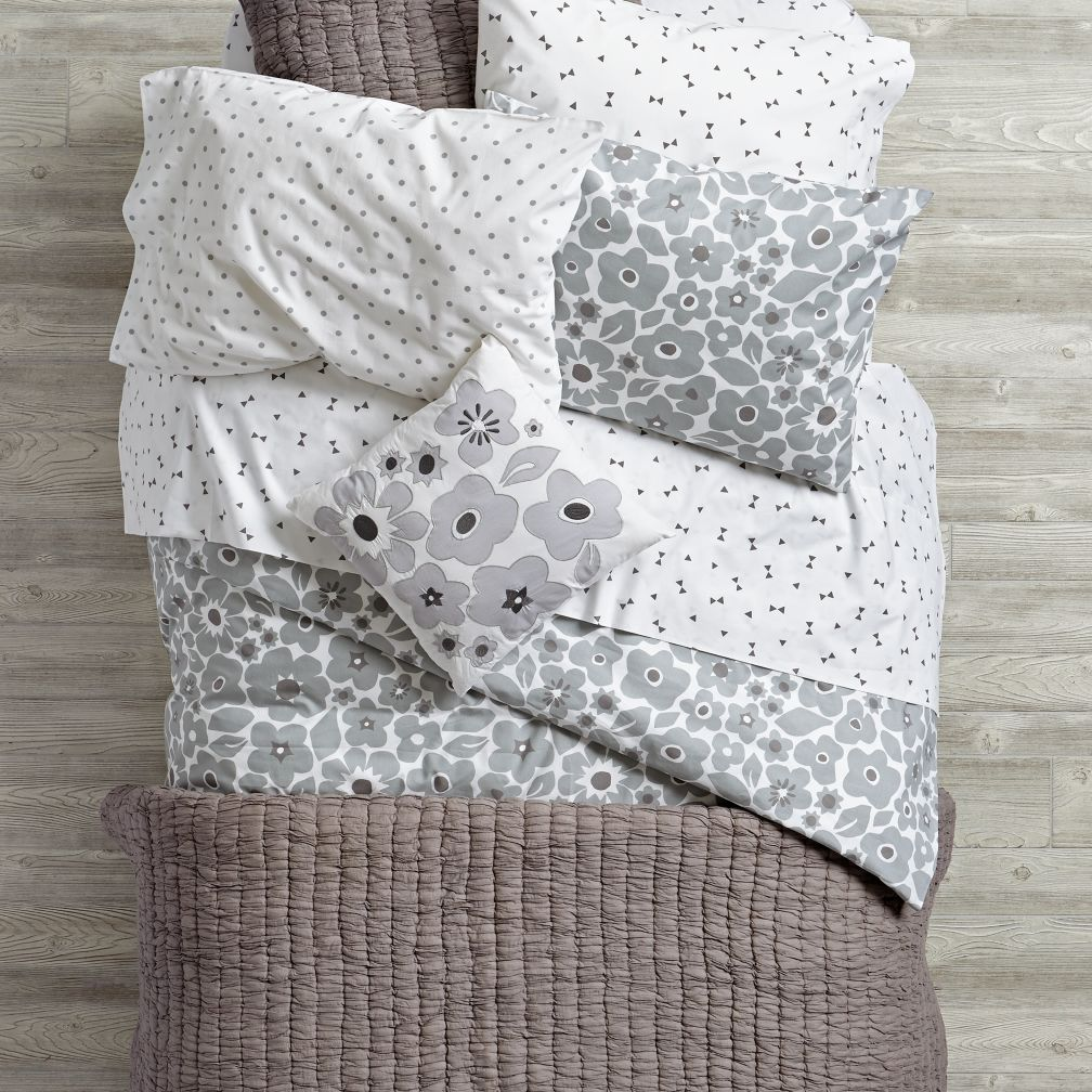 Go Lightly Quilt (Grey)