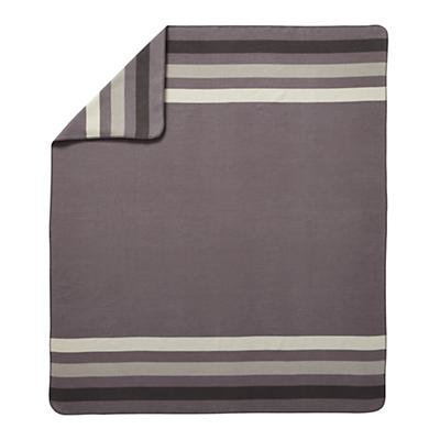 Bedding_Great_White_North_Blanket_LL