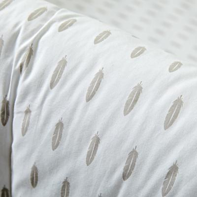 Bedding_Iconic_Feather_DK_Details_V1