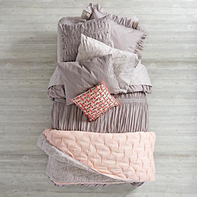 Bedding_Modern_Chic_GY_Group_V1