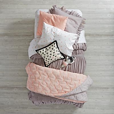 Bedding_Modern_Chic_GY_PI_Group_V1