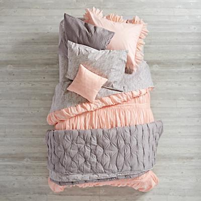 Bedding_Modern_Chic_PI_GY_Group_V2