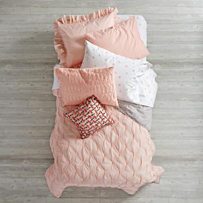 Bedding_Modern_Chic_PI_Group_V3