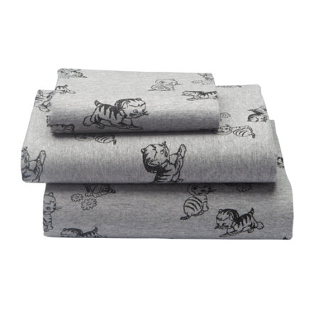 Shy Little Kitten Toddler Sheet SetIncludes fitted sheet, flat sheet and one toddler pillowcase