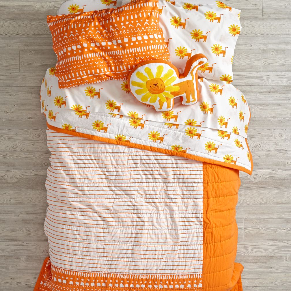 Wild Excursion Lion Bedding and Quilt
