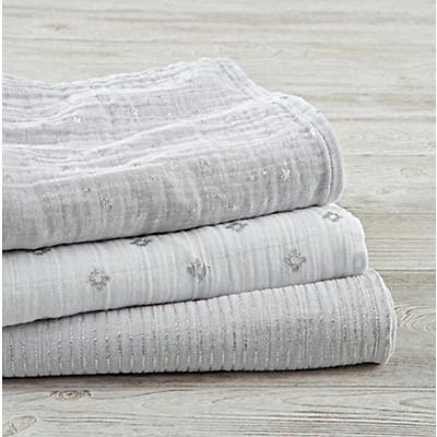 Blanket_Metallic_Swaddle_S3_GY_v2
