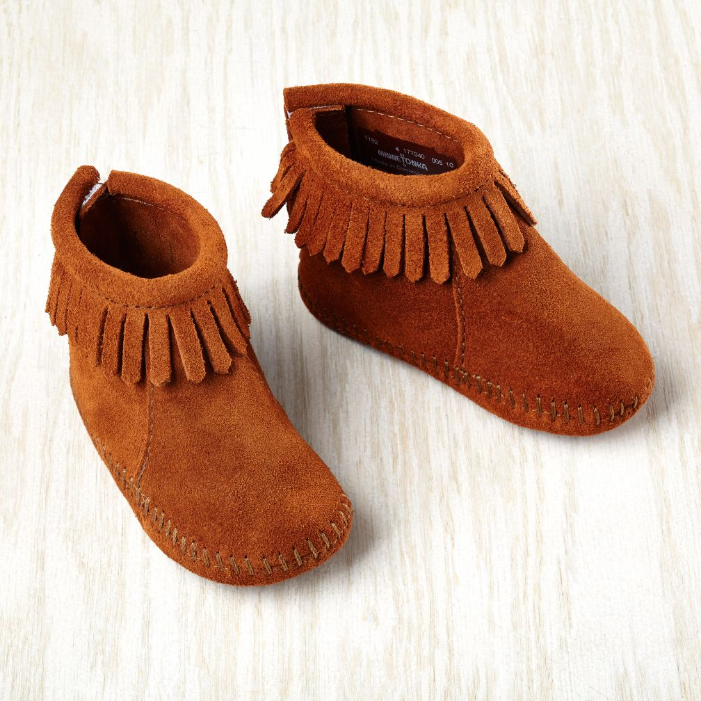 Minnetonka ® Velcro ® Back Fringe Bootie (Brown)