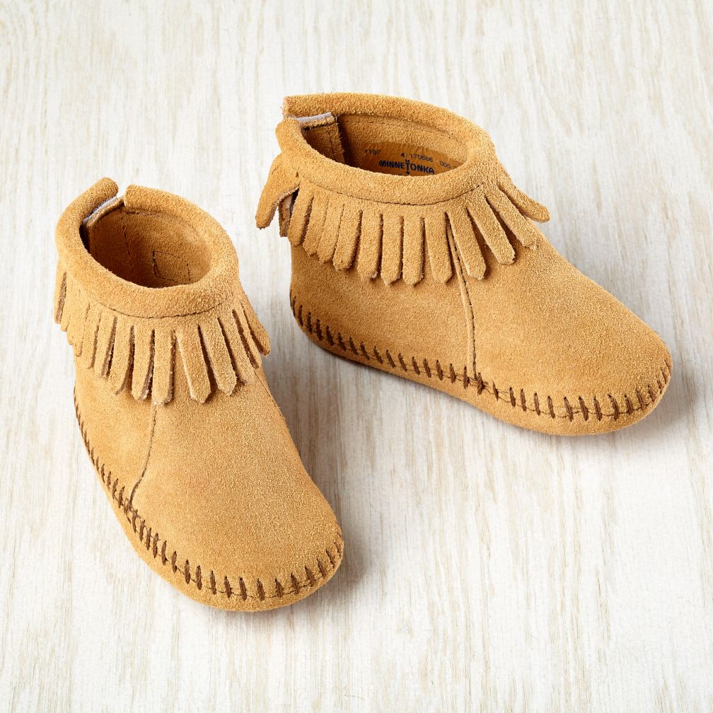 0-3 mos. Minnetonka ® Velcro ® Back Fringe Boot (Tan)