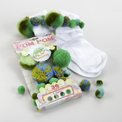 Chameleon Green Pom Pom Craft Kit