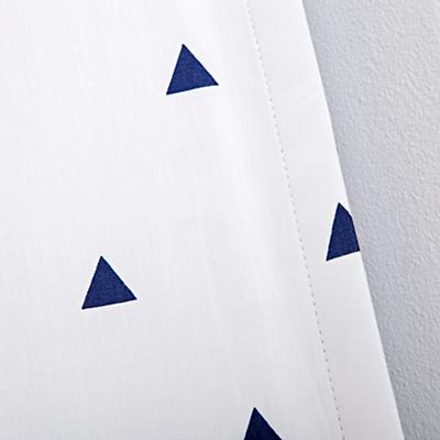 Curtain_Little_Prints_Triangle_BL_V5