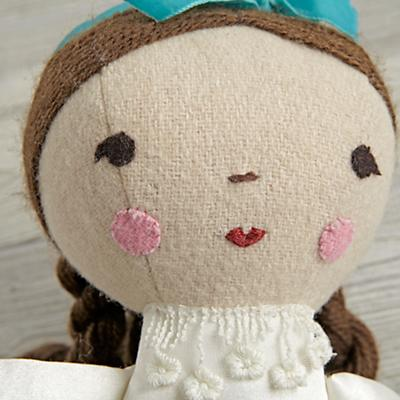 Doll_Wee_Wonderful_Clara_Detail_V 4
