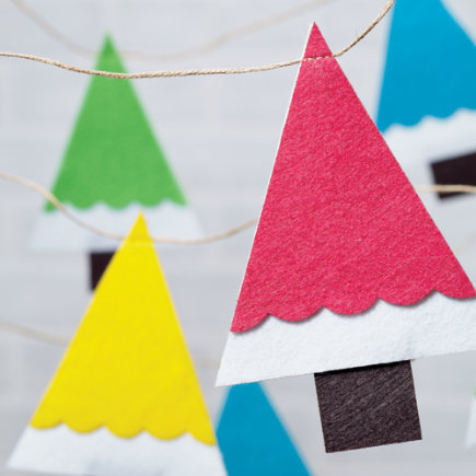 Kids Holiday Decor: Christmas Tree Garland - Christmas Tree Garland