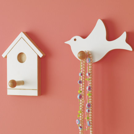 Kids hang ups childrens bird and birdhouse wall pegs for Wall hooks for kids room