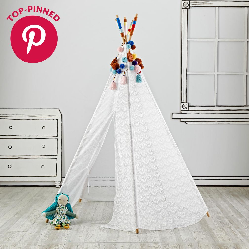 Lace Teepee with Garlands