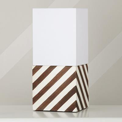 Lamp_Table_WH_Cube_Off