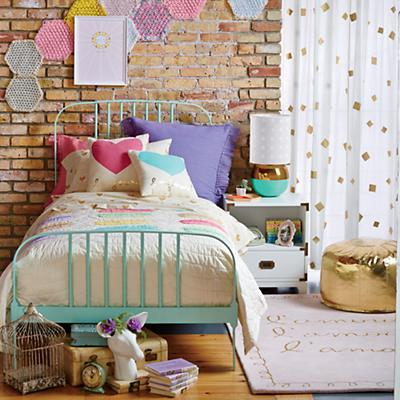 Larkin_Confectionary_Bedding