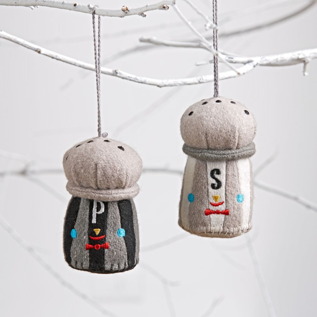Besties Ornaments (Salt & Pepper)