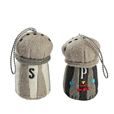 Ornament_Besties_S2_Salt_Pepper_LL
