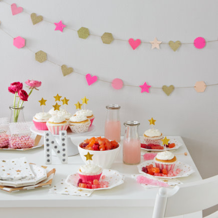Toot Sweet Pink Party Garland