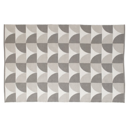 4 x 6 Grey Semi Scallop Rug