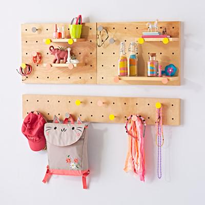 Shelf_Pegboard_Rack_Long_Narrow_wPegs_V2