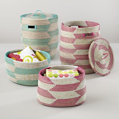 Charming Baskets (Herringbone)
