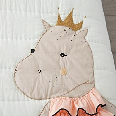 Toddler_Bedding_Royal_Hippo_Details_v3