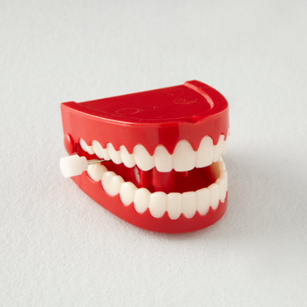 Kids Stocking Stuffers: Chattering Teeth Wind-Up Toy - Chattering Teeth Wind Up