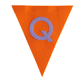 Q Print Neatly Pennant Flag (Girl)
