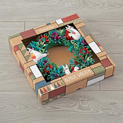 Alpaca_Wreath_Packaging_2017