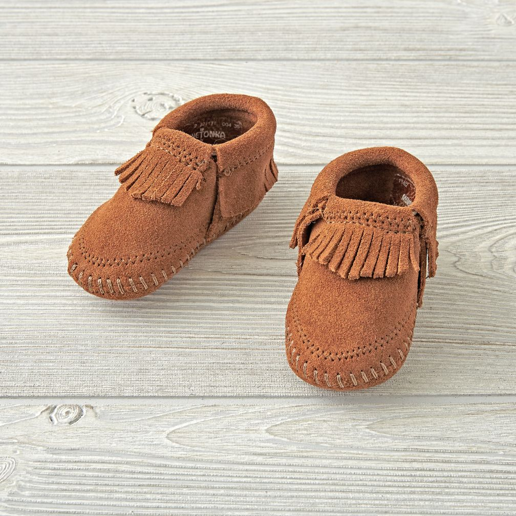 Minnetonka Riley Brown Baby Bootie Size 1 (0-3 Months)