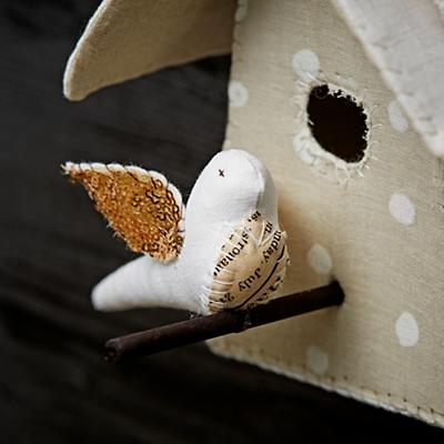 Art_Studio_Nod_Bird_House_Med_3_Details_V1
